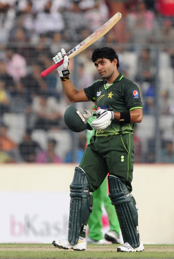 Umar Akmal celebrates his half-century, Bangladesh v Pakistan, 2nd ODI