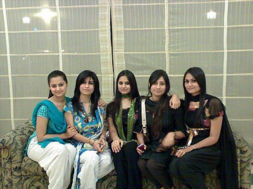 group of pakistani girls