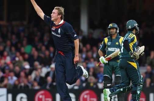England beat Pakistan in first ODI