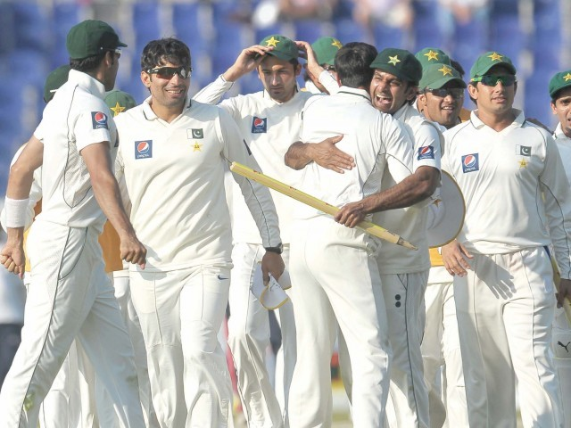 Pakistan v England 3rd Test Dubai 4th day