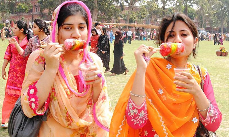 Punjab University Lahore Girls Picture Punjab University Lahore Girls Picture