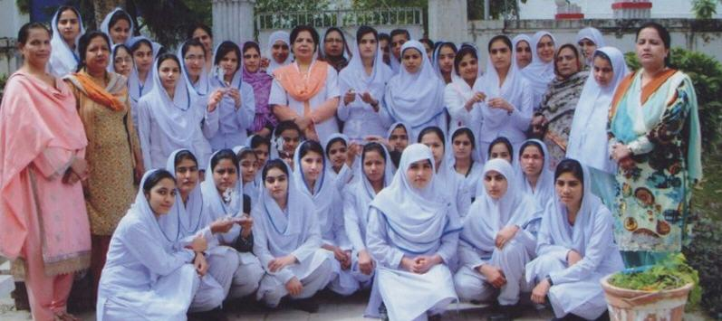 general hospital lahore nurses group photo