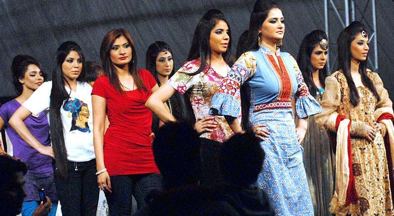 Lahore Fashion Show Model Girls Picture Lahore Fashion Show Model Girls Picture
