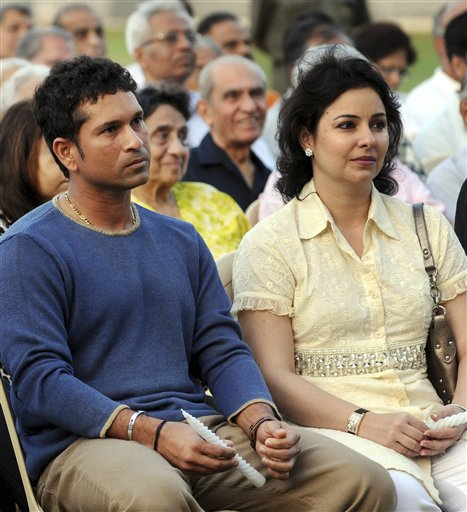 sachin tendulkar Sachin Tendulkar And His Wife photo