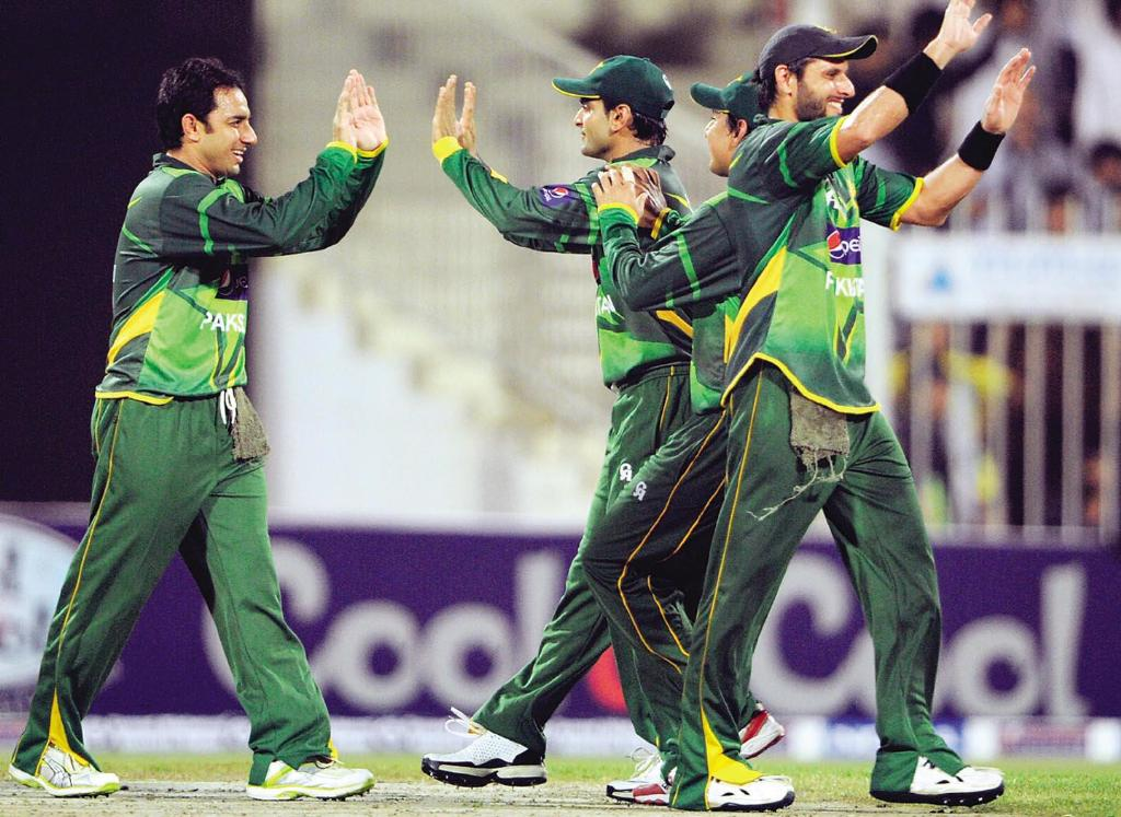 Happy Pakistan Cricket Team