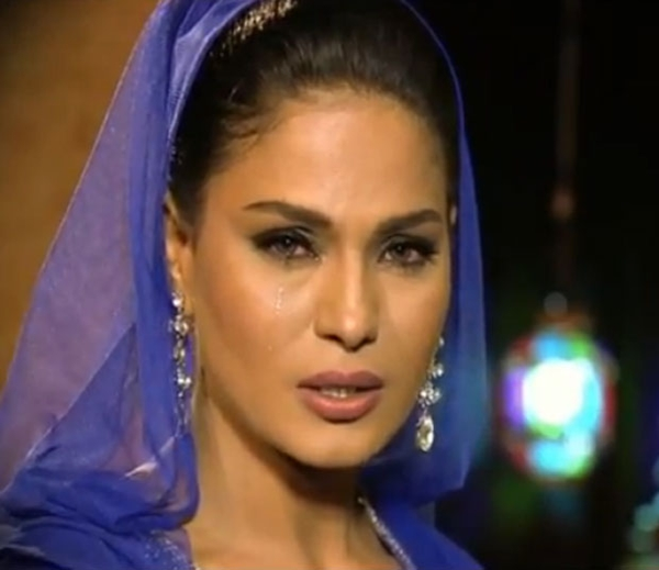 Veena-Malik live episode