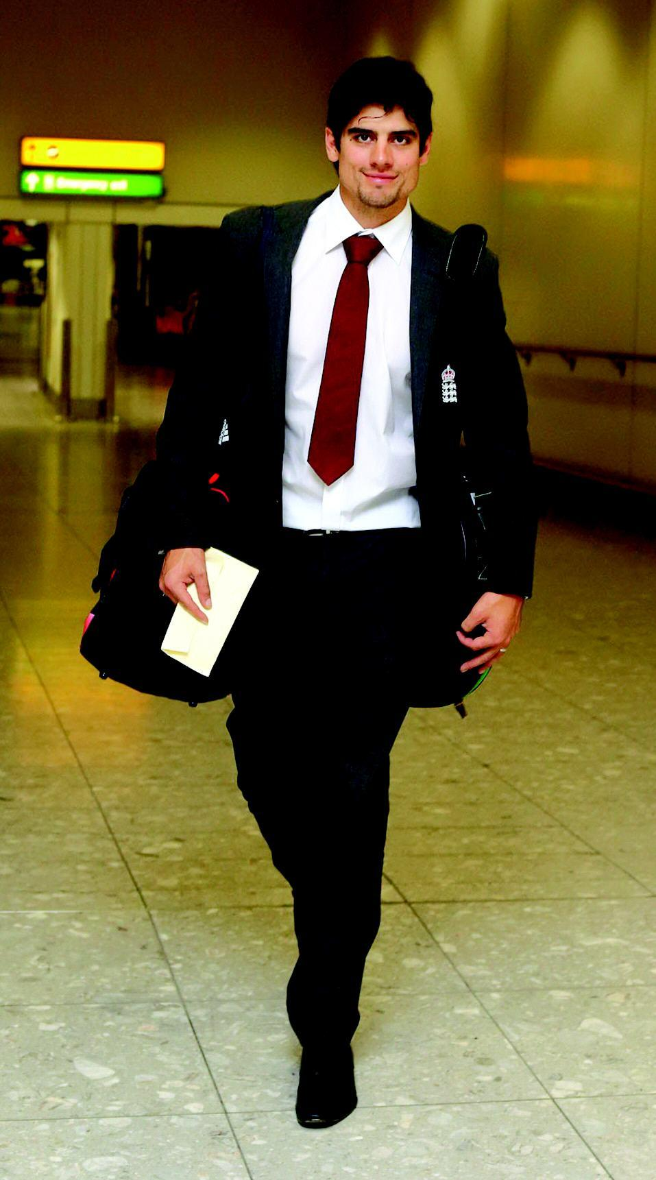 Alastair Cook England Cricket Player Full Picture in AirPort