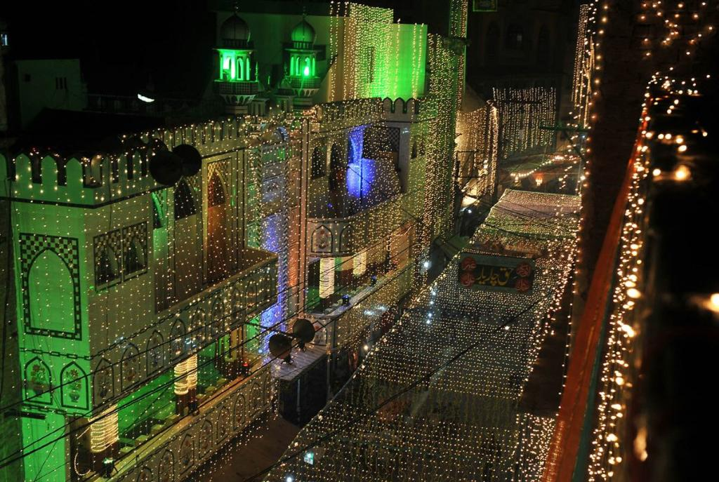 Eid Milad un Nabi in Lahore Eid Milad un Nabi Wallpapers, Pictures, Images 2015