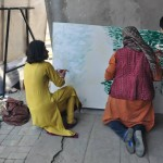 girls starts painting