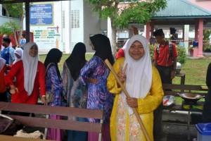 muslim girls in park