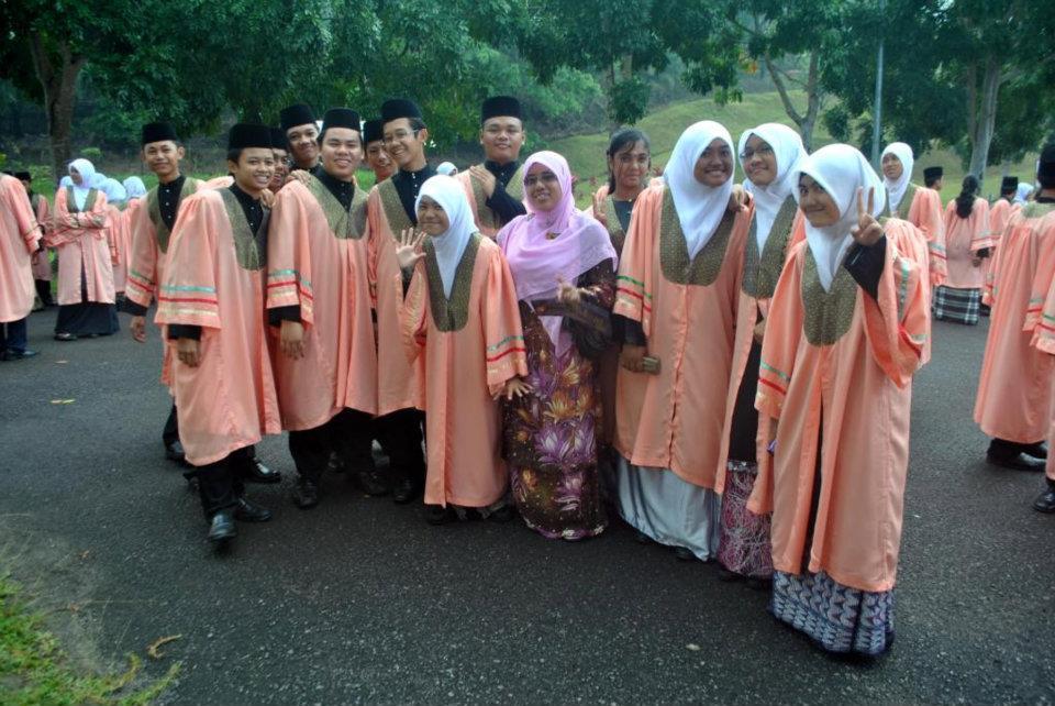 muslim girls hajib