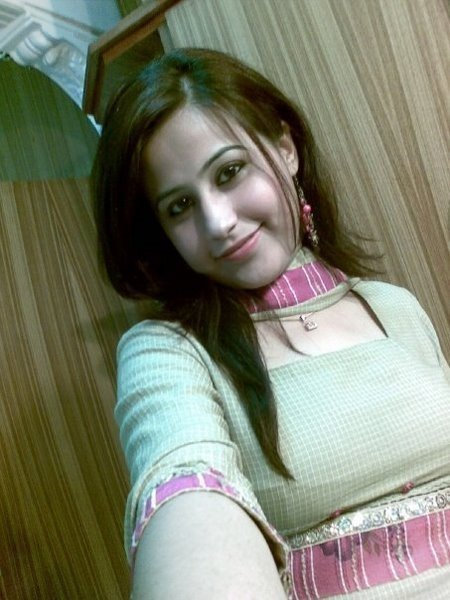 College girl Picture Lahore
