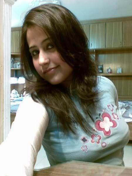 University Pakistani Girls Picture