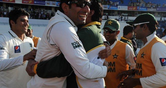 MisbahulHaq-Pakistan-win