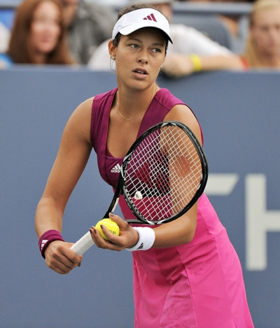 -ana-ivanovic- paying