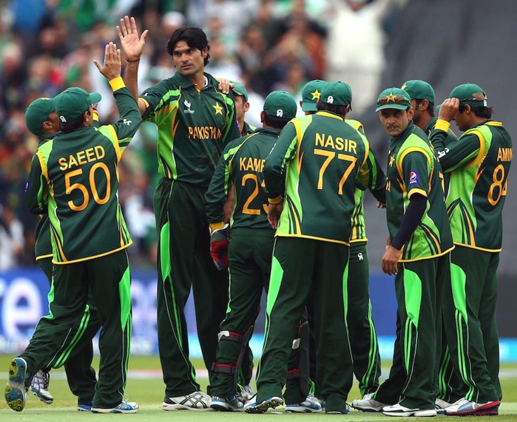 Irfan Pakistani Bowler