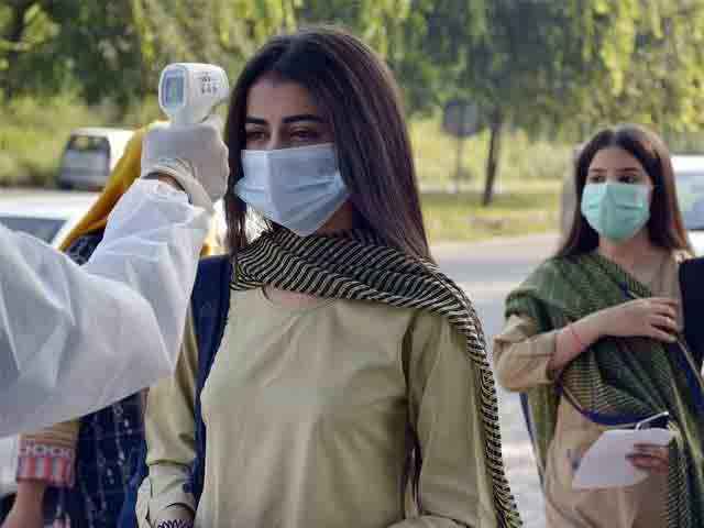 school-girl-in-Pakistan-corona-virus